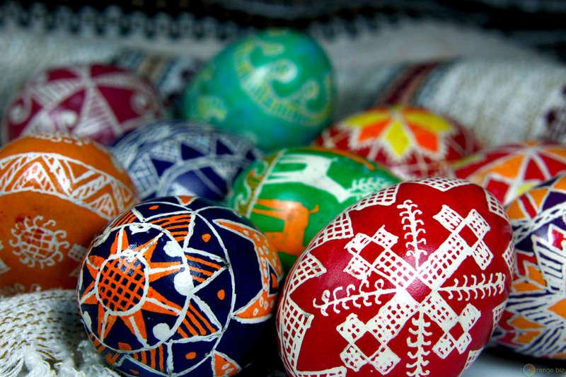 Українців з усього світу закликають до участі у писанковому проекті