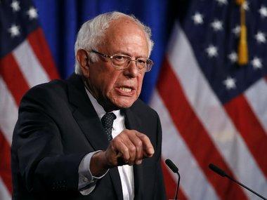 Сенатор Сандерс запропонував підвищити зарплату до 15 доларів за годину