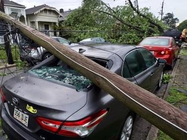 Руйнівний торнадо у США: тисячі американців залишилися без світла (фото, відео)