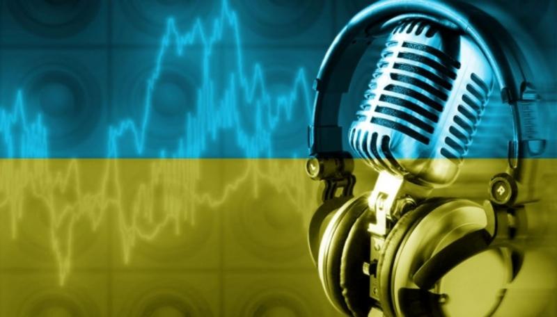 Радіостанції зобов'яжуть крутити 35% пісень українською
