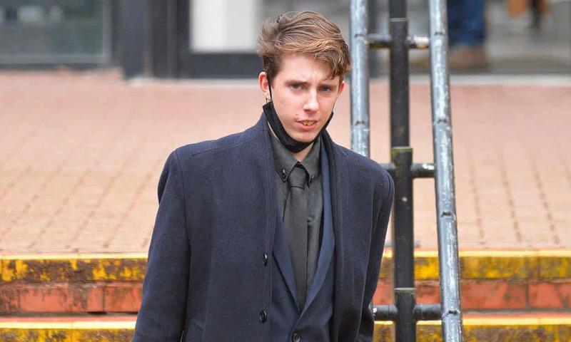 Британського студента засудили до примусового читання класичної літератури