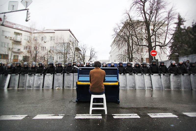 Піаніст з Майдану вирушив у тур по Нідерландах на підтримку України