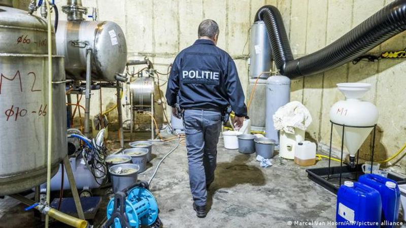Нідерландська поліція викрила найбільшу в історії країни нарколабораторію
