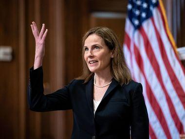 Сенат проголосував за припинення дебатів щодо затвердження кандидатури Емі Коні Баррет