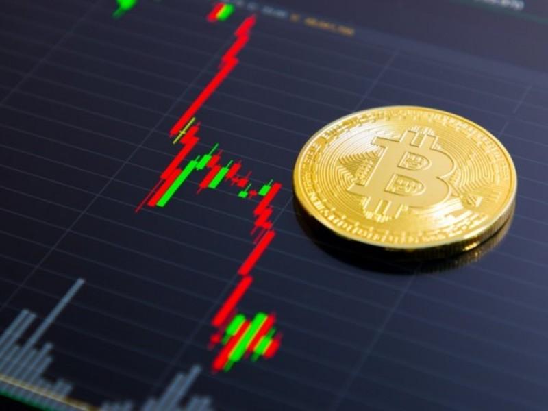 Bitcoin почав стрімке падіння: аналітики назвали причини