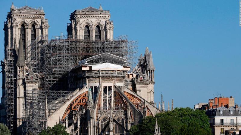 Нотр-Дам де Парі відкриють для відвідувачів у 2024 році