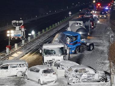 Японія: у масштабній аварії зіткнулися 134 автомобілі