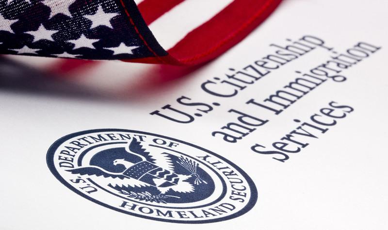 Уряд США починає перевірку програми віз H-1B