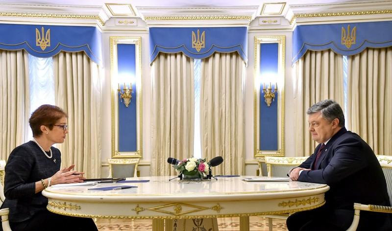 Порошенко привітав Трампа і запросив в Україну